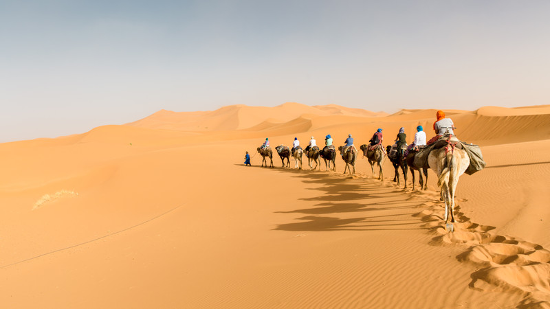 Penasaran, Ada Apa di Bawah Pasir Gurun Sahara? – Kinipaham