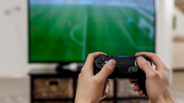 Ilustrasi Main Game Bola FIFA.